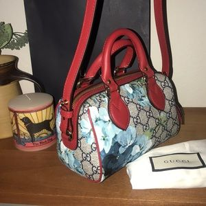 Gucci Bags - Gucci Supreme Blooms Boston in Blue Hibiscus